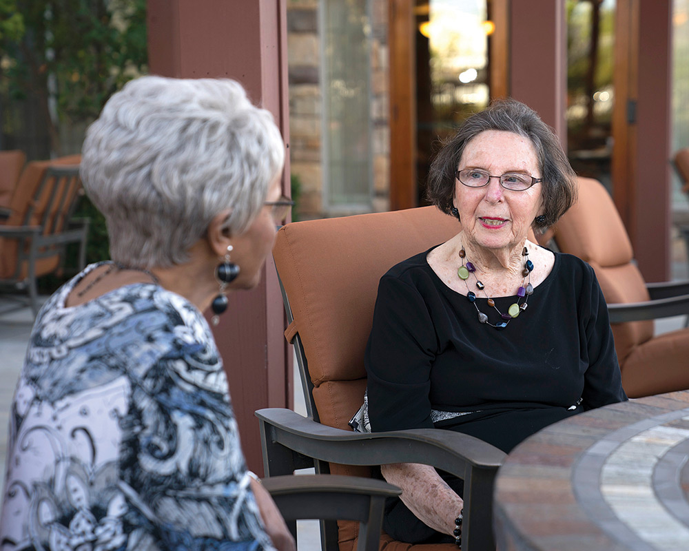 What's the difference between assisted living and independent living?